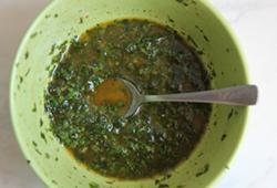Запечена молода картопля під соусом