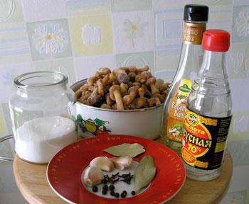 Мариновані опеньки - інгредієнти