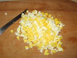 Салат з мідій в сирних тарталетках - 7