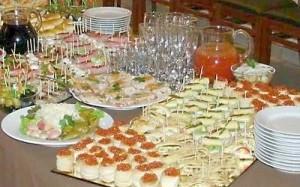 Фуршетний новорічний стіл