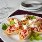 Лососевий салат в мушлях