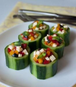 Стаканчики з огірка з овочевою начинкою