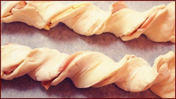 Листкові косички з куркою і сиром 5