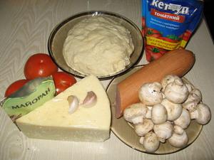 Піца з печерицями, помідорами та ковбасою Інгредієнти