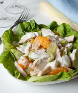 Салат з курки і фруктами