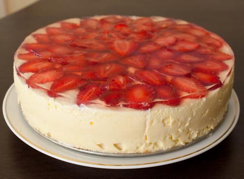 Торт з полуницею 10