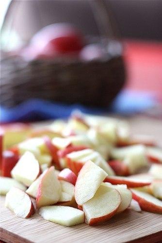 Яблука з морозивом в карамелі 1