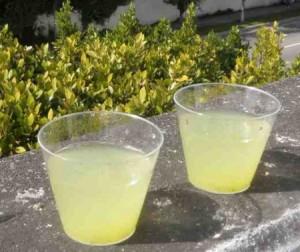 Ананасовий лимонад