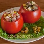 Салат в помідорі