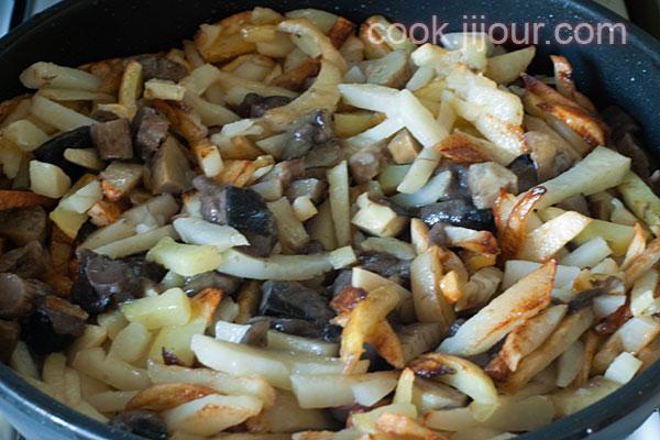 Смажена картопля з грибами - фото 4