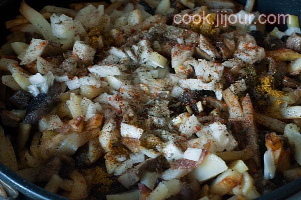 Смажена картопля з грибами - фото 6