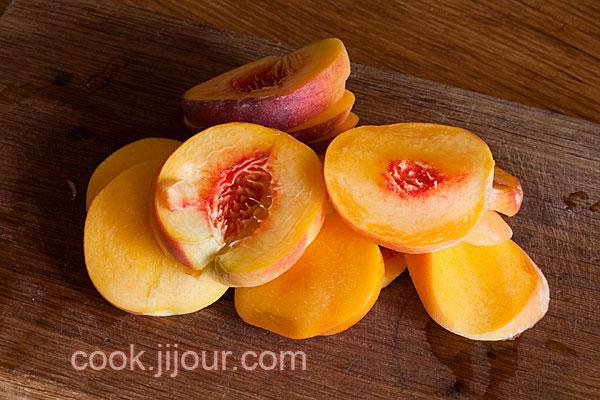 Пиріг з персиками - фото 1
