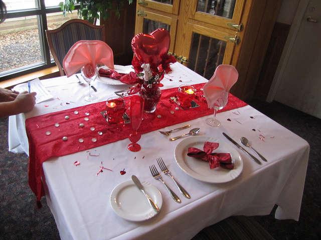 Стіл на день святого Валентина - фото 3