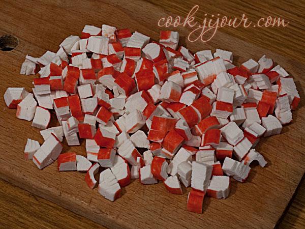 Салат з крабових паличок - фото 2