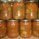 Огірки в томаті