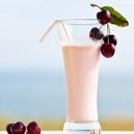 Вишневий молочний коктейль