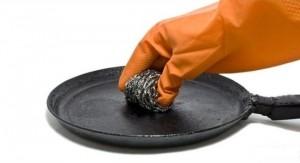 Як очистити сковорідки