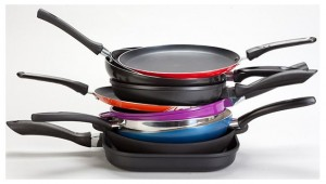Як правильно очистити сковорідки